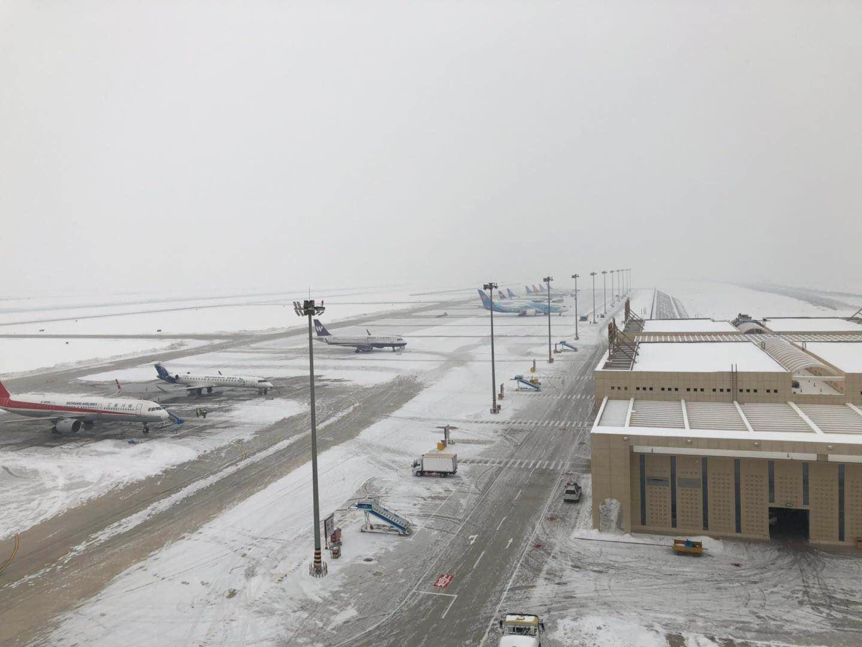 吐鲁番机场春节期间保障大面积航班备降
