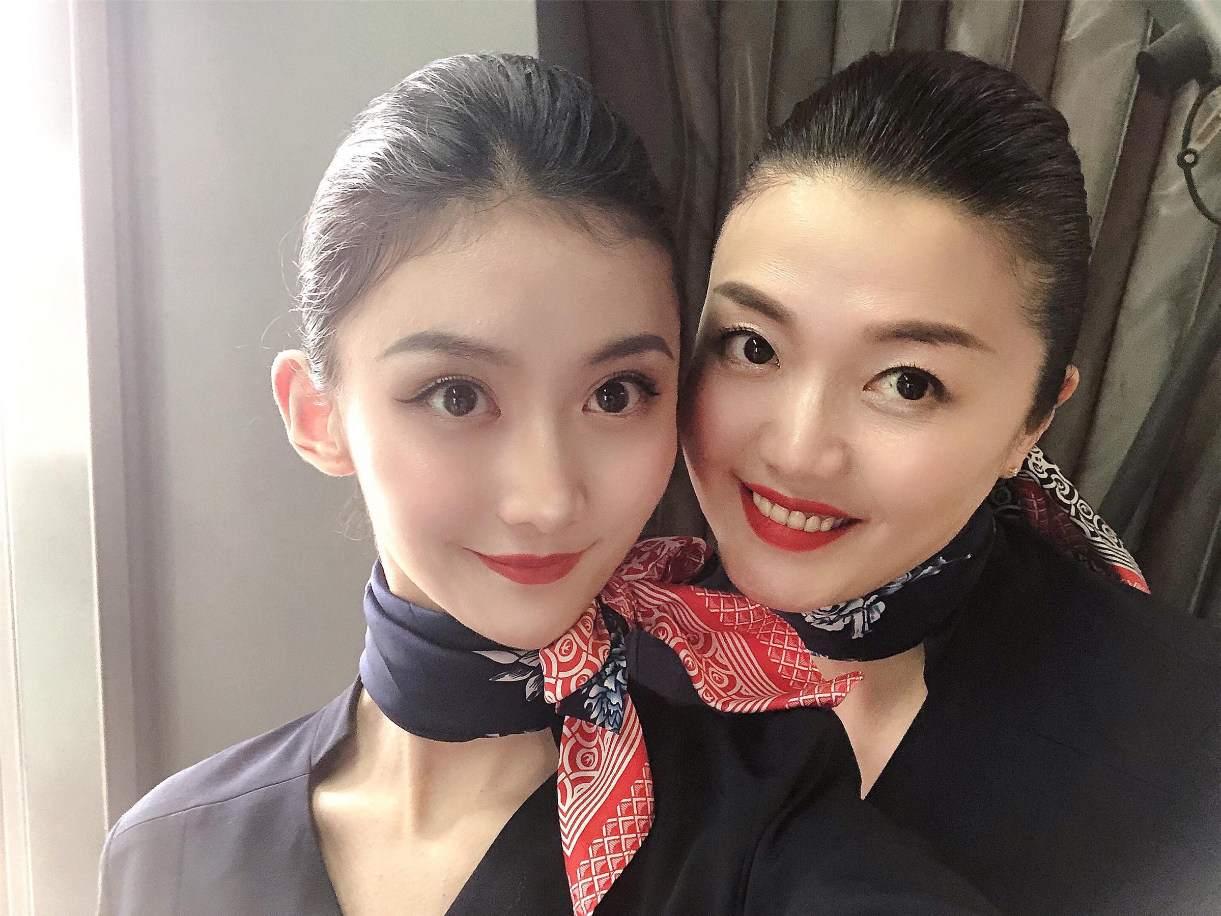 刘霖萱和母亲赵甍