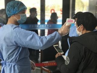 九寨黃龍機場:以白衣為鎧 與病毒相搏