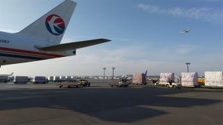 東航保障馬云、阿里巴巴公益基金會捐贈日本100萬只口罩飛赴東京