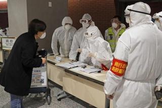 無癥狀體溫正常 4名新冠陽性旅客是這樣被上海機場發現的
