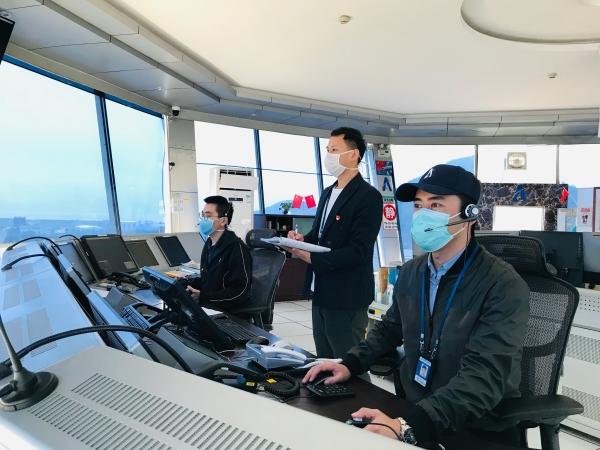 珠海空管站顺利完成疫情期间校飞保障任务