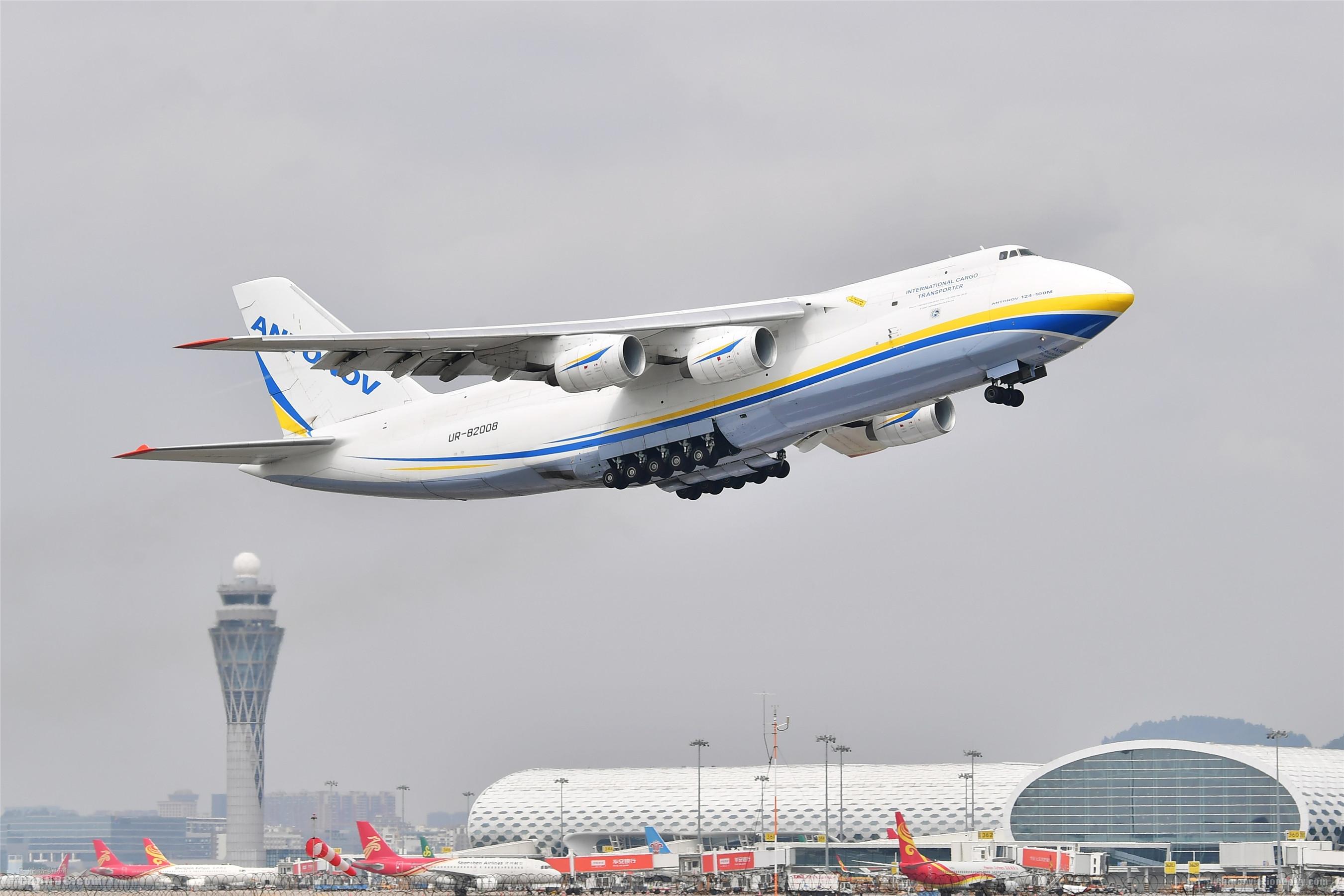 深圳机场过去一周近400吨物资由货运包机运往海外