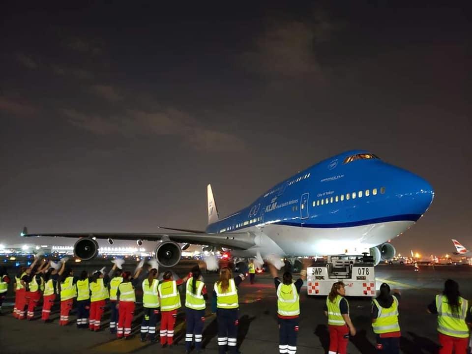 视频:致以最高礼遇 荷航提前退役波音747机队