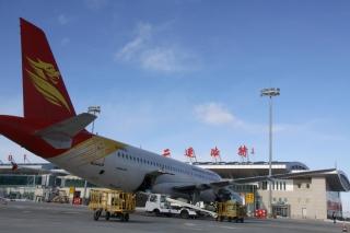 二連浩特機場通航十周年:十年筑路藍天夢