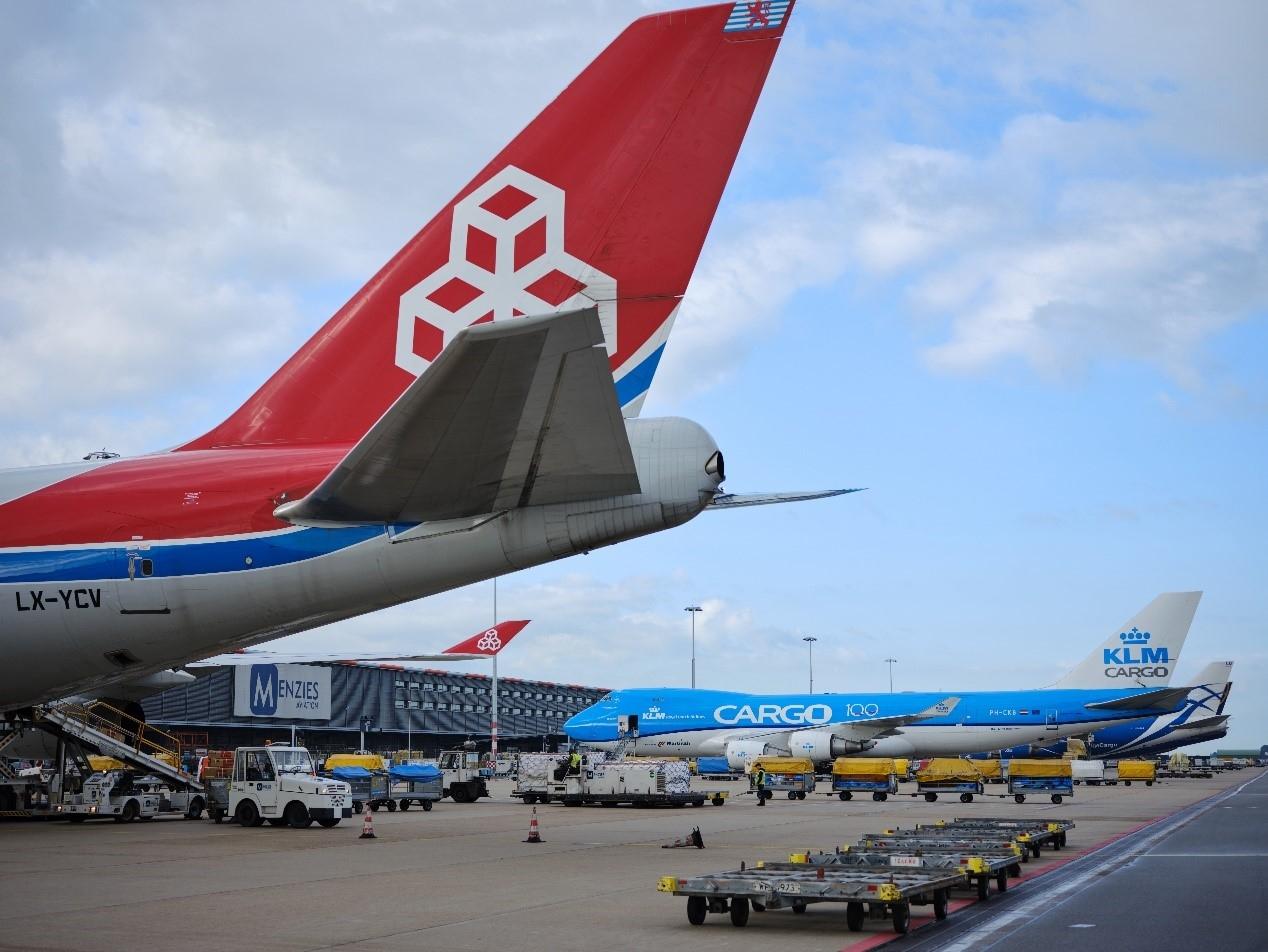 疫情下为什么机场货运成为重中之重