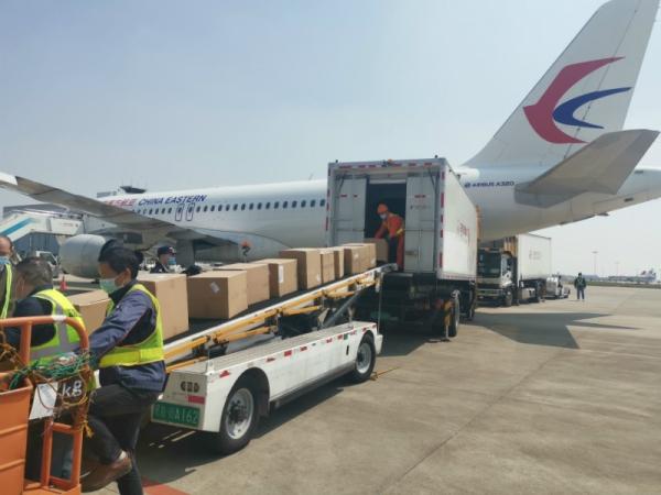 客机变货机 东航江西分公司包机运送防疫物资去日本