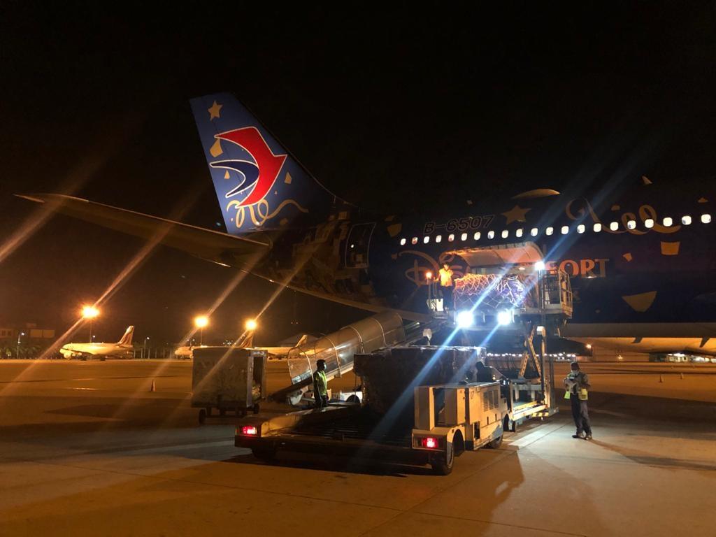 斯里兰卡总统、总理点赞!东航免费承运援斯抗疫物资