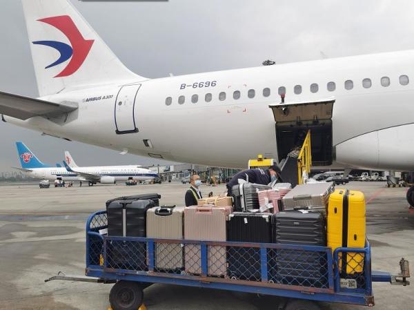 生命接力!东航四川分公司空中助力造血干细胞运输