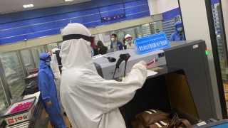 """喀什機場試用""""人包對應""""智能過檢"""