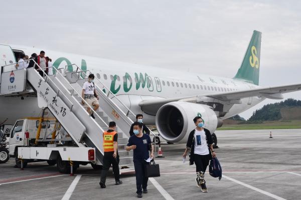 茅台机场携手春秋航空加密上海航班