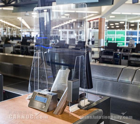 达美航空设计定制机场柜台安全隔板,今夏将投入使用