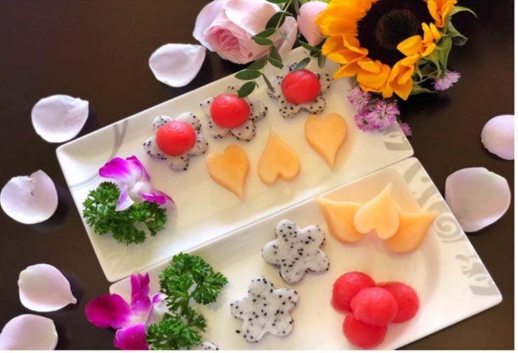 海南航空贵宾室为旅客在端午佳节准备精美果盘