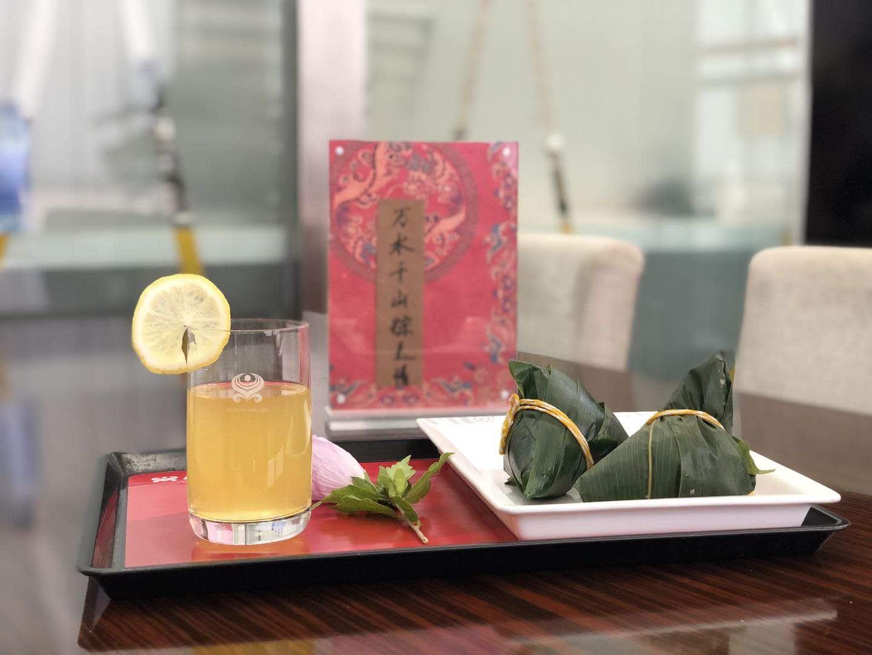 海南航空多地贵宾室为旅客在端午佳节准备粽子,送去满满端午祝福