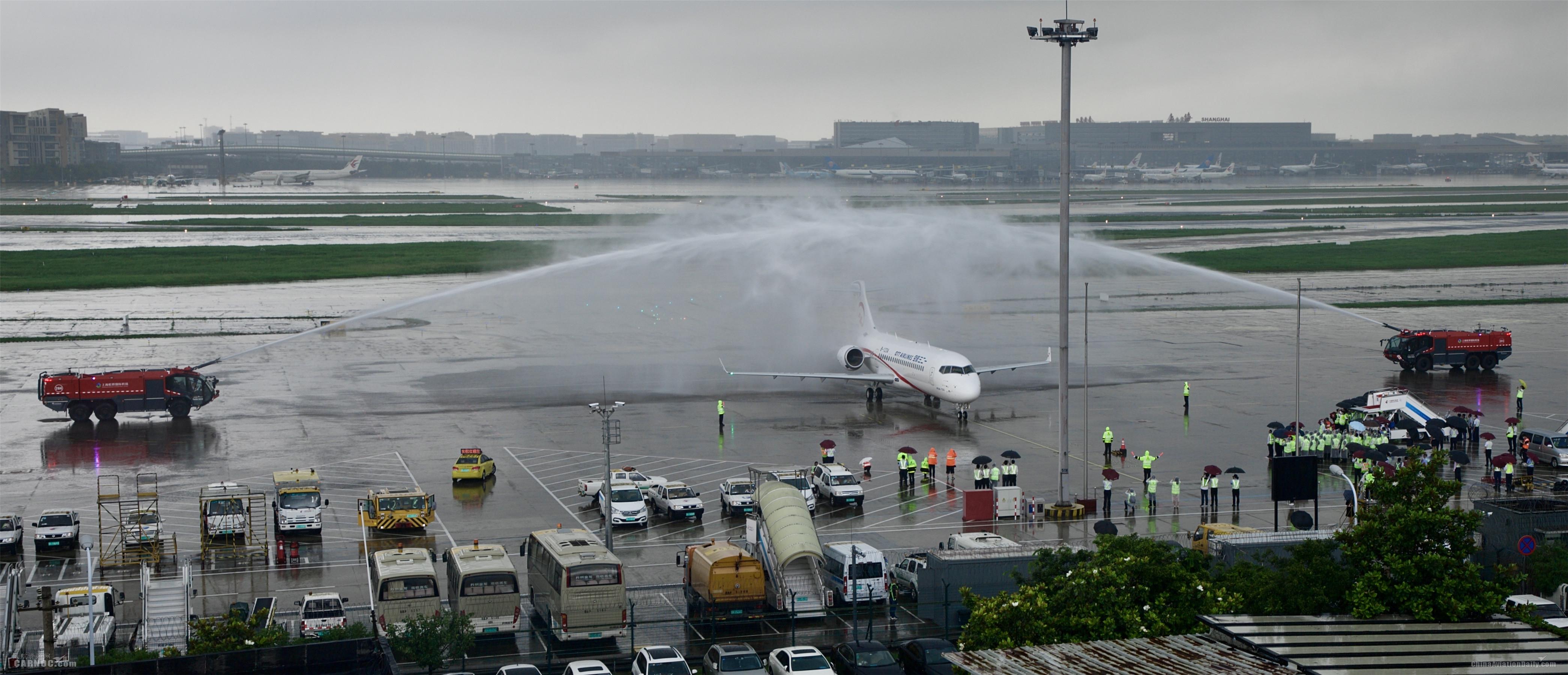 東航旗下一二三航空接收首架國產ARJ21飛機