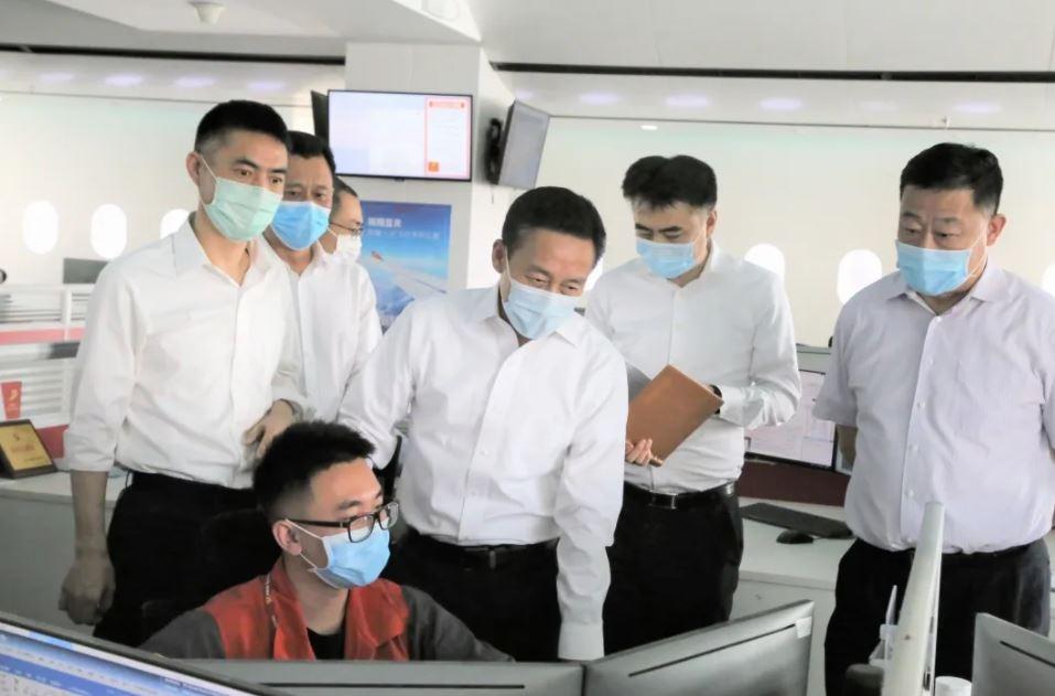 胡振江副局长一行考察首都航空运行控制中心