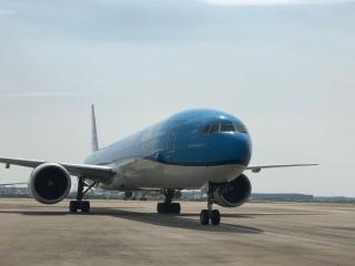 荷蘭皇家航空首架復航客機順利抵達上海