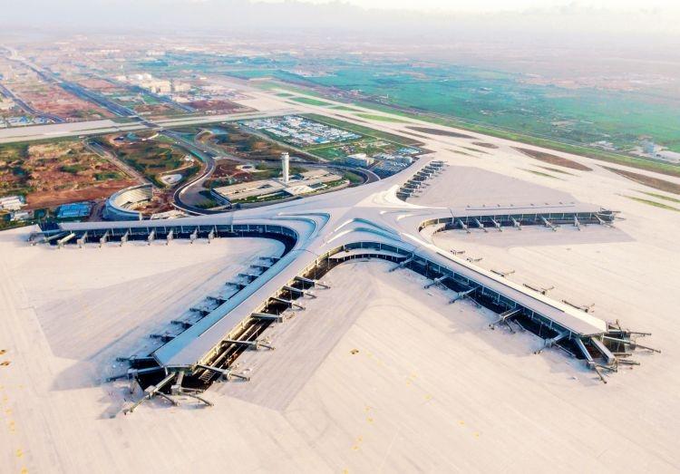 青岛胶东国际机场航站楼工程全面竣工