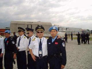 海航飞行教员杨和平:情系蓝天四十二载,为军为民勇当先锋