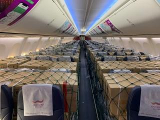 乌鲁木齐航空执行9班客改货包机 全力保障新疆疫情防控