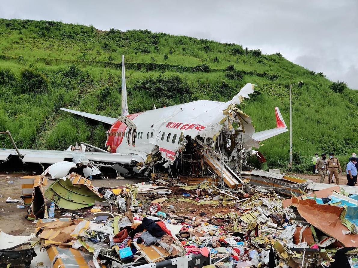 印媒谈飞机失事:着陆点距起点1000米 安全距离可能不够