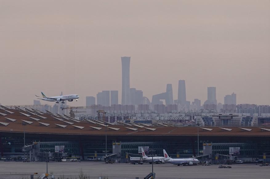 国内航班量回升接近去年同期 入境政策放宽双向客流渐恢复:民航业触底反弹