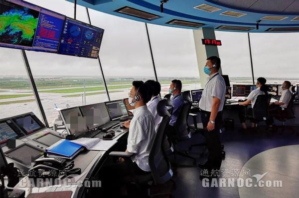 """直面台风""""巴威"""" 黑龙江空管分局保障本场航班安全起降361架次"""