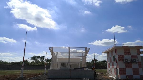 海南地区首套风廓线雷达系统落户海口美兰机场主降跑道
