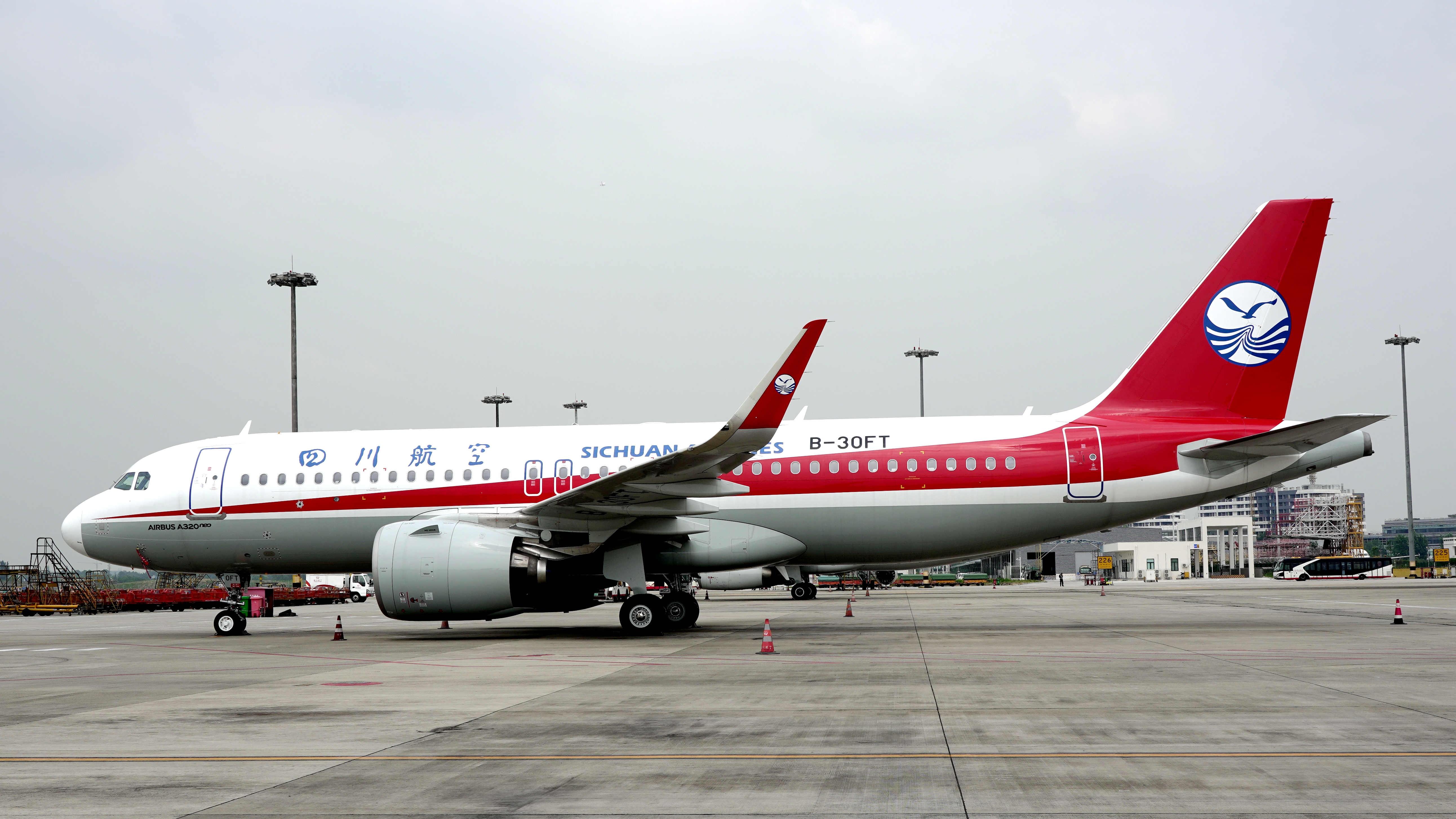 A320neo新机加盟 川航机队规模达164架