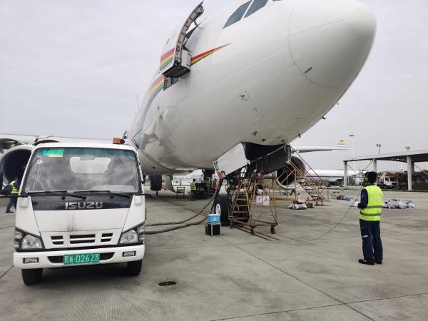 决战决胜蓝天保卫战 西藏航空持续在行动