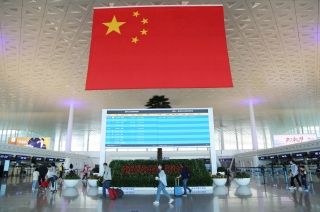武汉机场复航后首次正增长 双节期间旅客吞吐量达52万人次