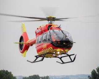挪威空中救护基金会接收全球首架空客五桨叶H145直升机