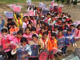 为爱飞翔  圆梦助学 东航上海飞行部积极参与扶贫公益活动