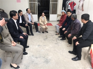东航江苏公司党委领导赴泗阳调研帮扶工作并慰问困难群众