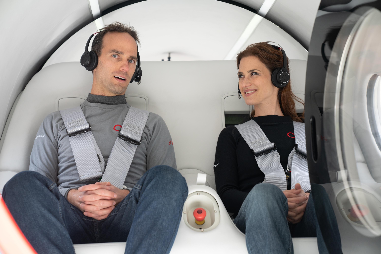 Virgin Hyperloop胶囊列车实现重大里程碑:完成首次载人测试