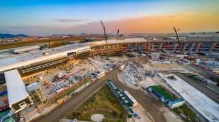 深圳机场卫星厅钢结构顺利封顶