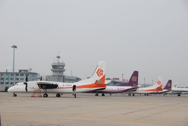 奥凯航空在烟台机场投放的MA60机队