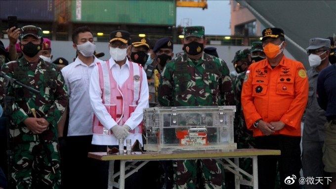 初步调查:印尼失事客机没有在空中爆炸