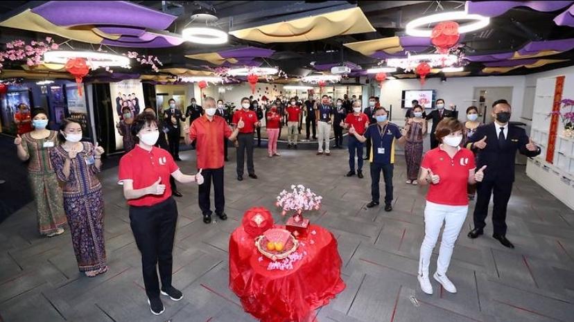 新加坡总理李显龙:经济有望恢复 旅游航空业需要时间复苏