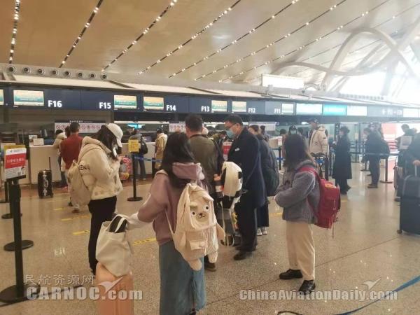 昆明长水国际机场让老年人享受便利乘机出行