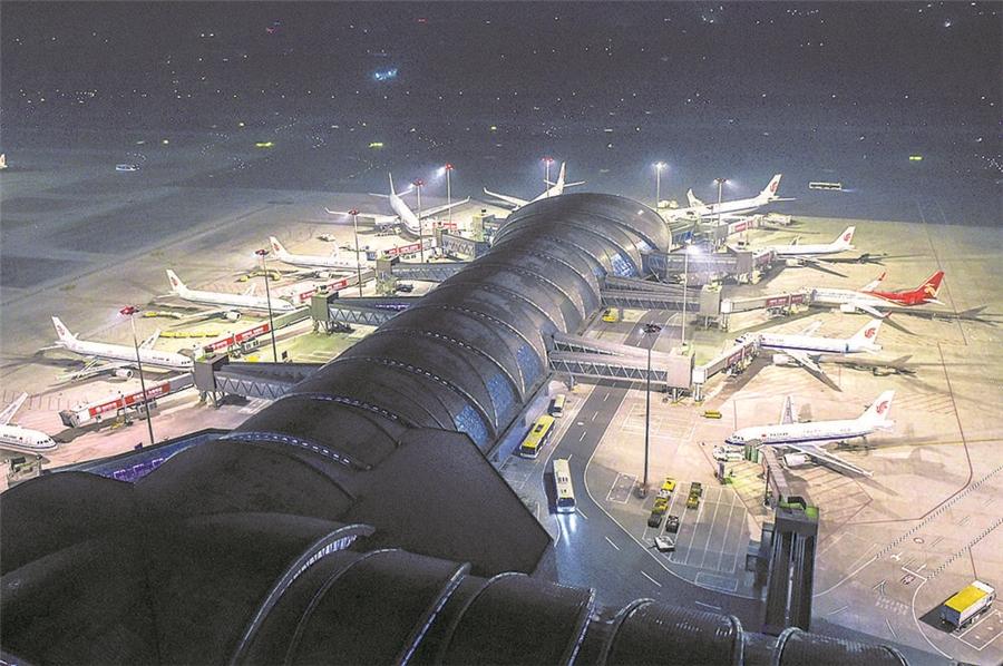 成都双流机场逆势进阶 旅客吞吐量居内地第二