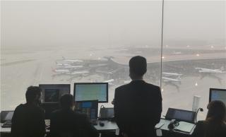 北京迎雷雨沙尘大风天气 华北空管保障疫苗运输活体运输航班提前起飞