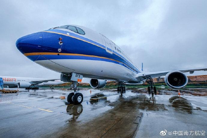 图:南航新接收一架A350