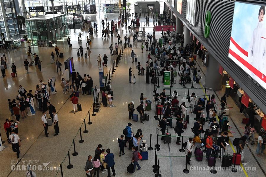 东航5月1日计划执行航班2710架次 运输旅客36万余人次