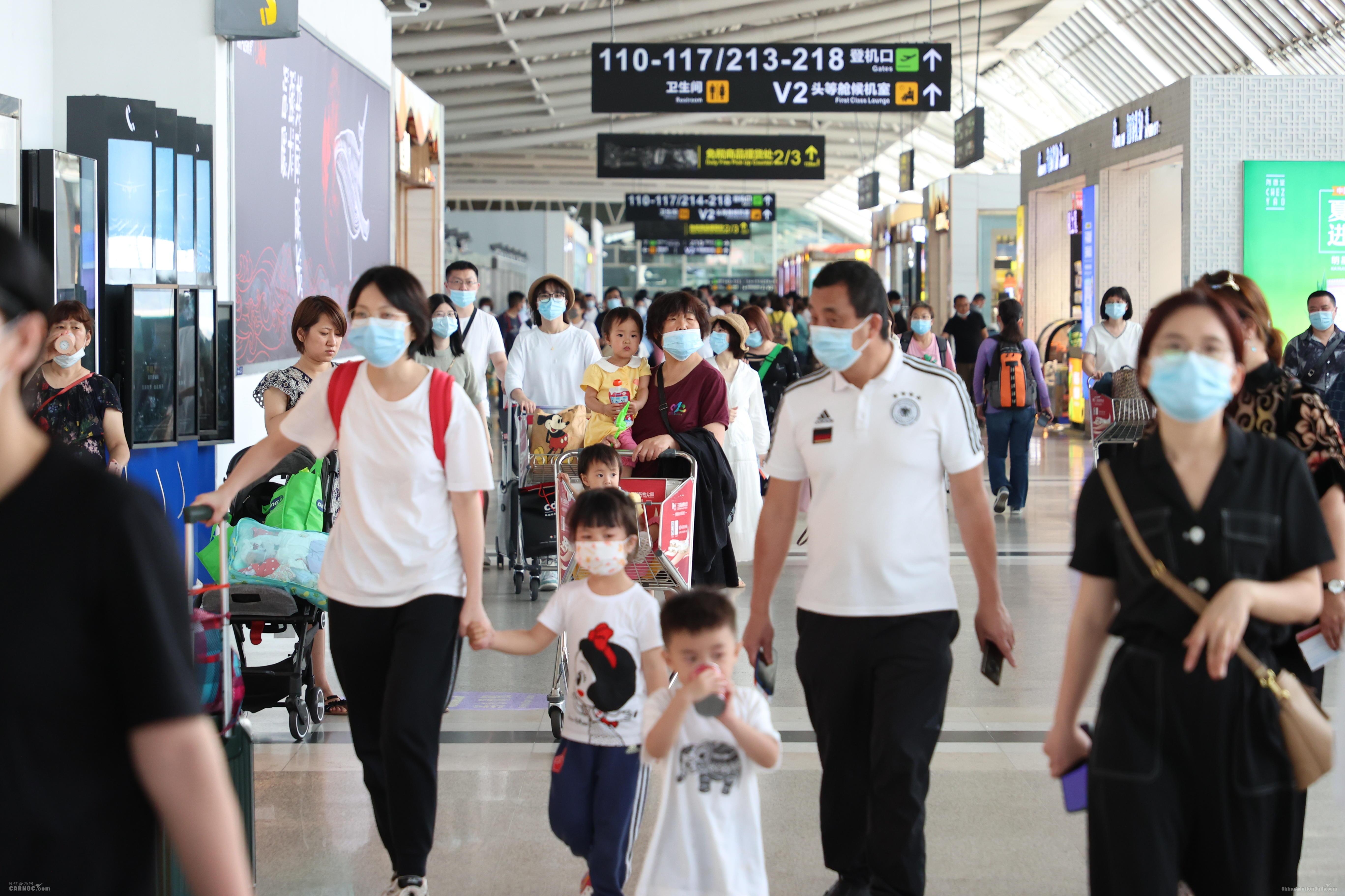 三亚机场迎五一客流高峰 宽体机单日占比创历史新高