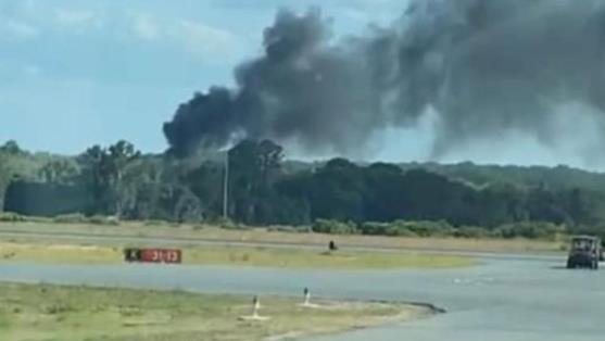 美国佛罗里达州消防直升机坠毁 致至少1人死亡