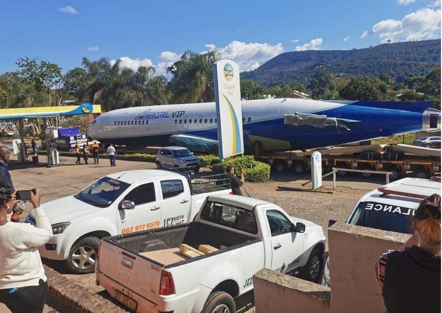 视频:耗时5天的卡车之旅!波音727即将变身酒店