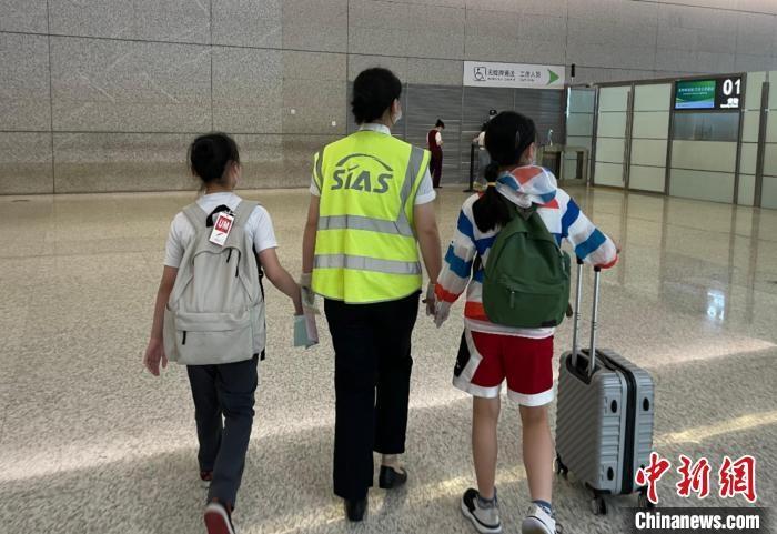 暑运第一周 上海两机场无人陪伴儿童出行增多