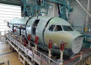 首架超远程型A321XLR飞机前机身段开始组装