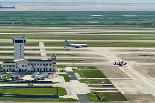 波音737MAX飞抵浦东机场 接受民航局复飞认证